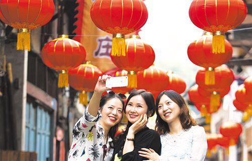 旅游需求旺市场消费火