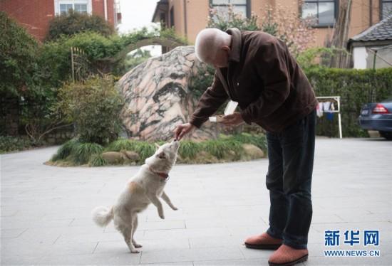 (新华全媒头条・民生直通车・关注养老・图文互动)(5)当你老了,让我们一起呵护――破解老龄化挑战的中国探索