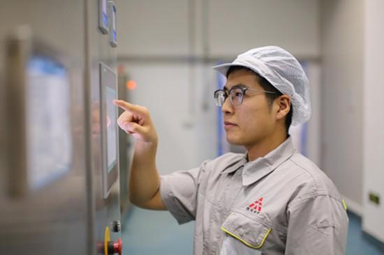 郑鑫——一个较真儿的员工