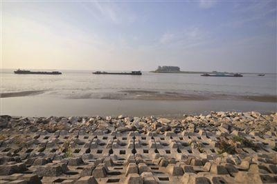 淮安洪泽湖水位持续回跌 相关航道实施限航管制