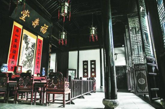 """李府中厅名为""""福寿堂"""",喻示福寿安康。"""
