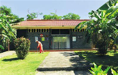 澄迈罗驿村严格管护公厕引进公司解决每天两次保洁