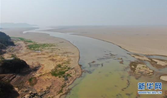 (环境)(1)江西多地出现不同程度旱情