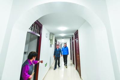 东城首个分户升级筒子楼项目落成 每家有了自力卫生间和厨房