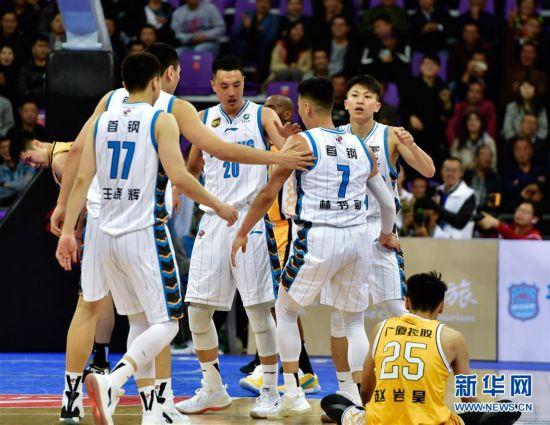 (体育)(4)篮球――CBA季前赛:北京首钢不敌浙江广厦