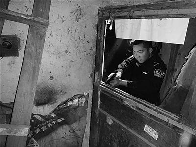連雲港市民報警稱自家狗瘋了 特警出動將狗擊斃