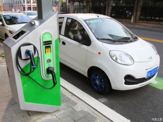 成都推出不限行、优惠停车费等措施 鼓励新能源汽车推广