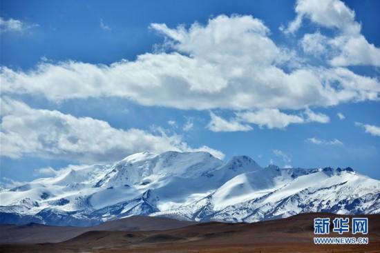 西藏:秋日夏崗江雪山