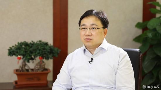 中国中冶总工程师肖鹏接受《证券日报》记者专访。.jpg