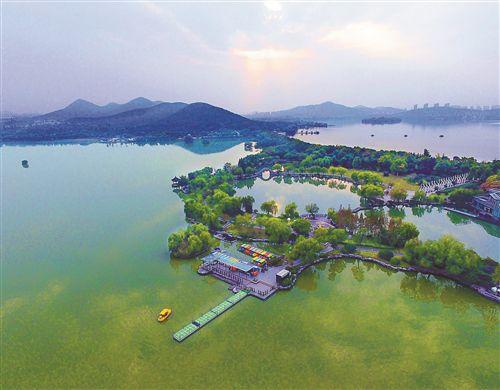 徐州雲龍湖景區色彩斑斕 空中俯瞰猶如調色板
