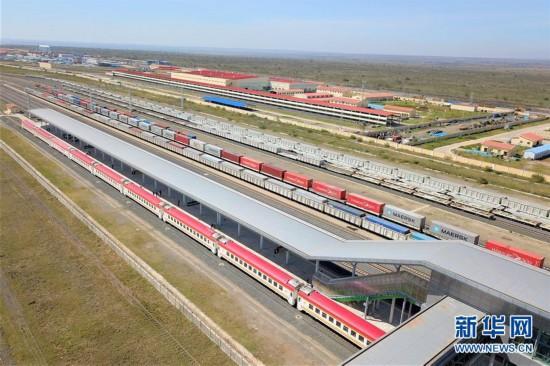 """(国际・图文互动)(1)""""这条铁路使曾经沉睡的小镇充满活力""""――记肯尼亚内马铁路一期正式通车"""