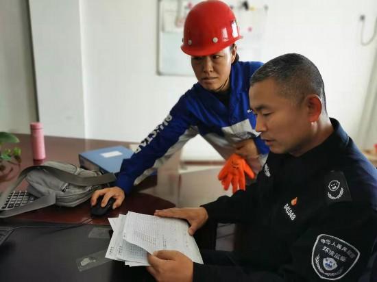 银川市启动交叉点穴式环境监察执法