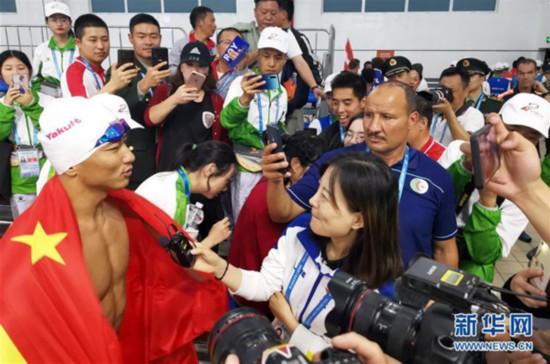 张政追平军事五项男子障碍游泳世界纪录
