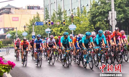 2019环广西公路自行车世巡赛落幕