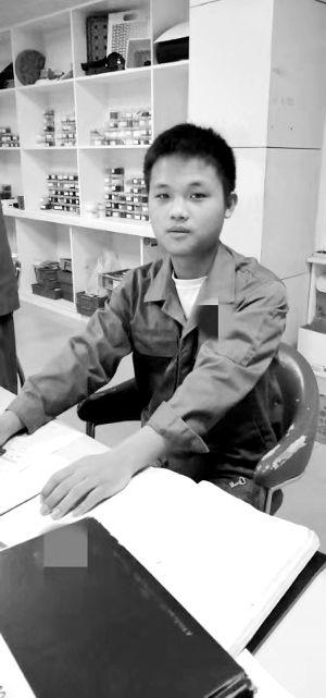 男孩自幼遭拐在苏州打工 报警想找亲生父母