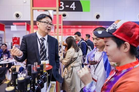 宁夏葡萄酒亮相Vinexpo上海酒展