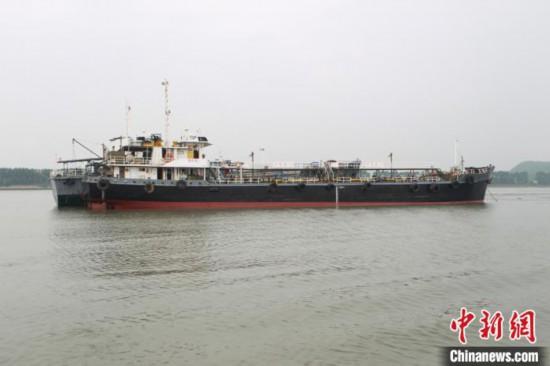 广州走私成品油团伙被端38人落网涉案5.6亿元