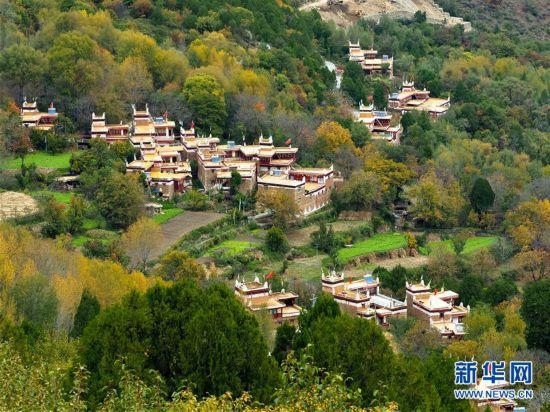雲端的丹巴藏寨
