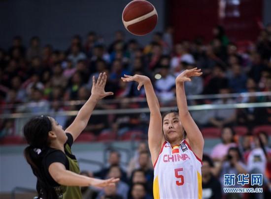 (體育)(1)籃球——熱身賽:中國女籃勝北美女籃明星隊