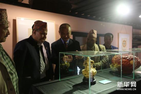 (国际)(1)中国当代手工技艺精品在尼泊尔展出