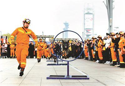 北京启动119消防月 11家小型消防站揭牌成立