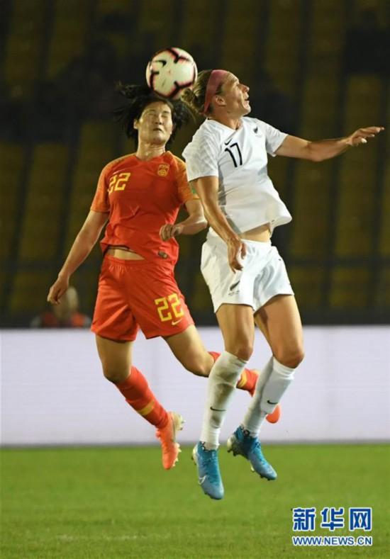 (体育)(18)足球――永川国际女足锦标赛:中国队胜新西兰队