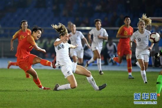 (体育)(15)足球――永川国际女足锦标赛:中国队胜新西兰队