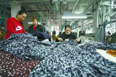 <b>4000余家北京服装生产加工企业落户沧州</b>