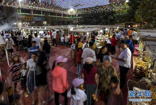 (社會)(7)今年前10月新疆旅游接待游客超2億人次
