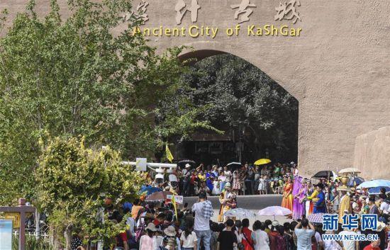 (社會)(6)今年前10月新疆旅游接待游客超2億人次