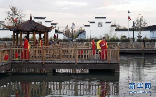(社会)(4)河北迁安:乡村垃圾坑变身水上公园