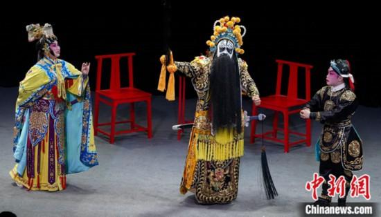 香港粤剧《霸王别姬》剧组:内地