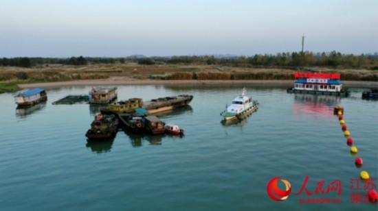 镇江违法船舶扣押点运行1月余共扣10艘三无船