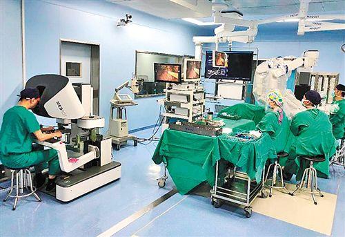 中国産腹腔鏡ロボットの研究開発に重大な進展