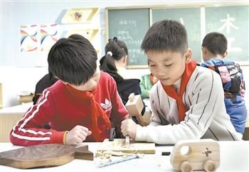 劳动教育难在哪儿:叠被子会煲汤劳动仅止于此吗
