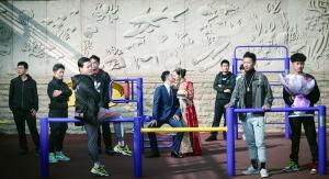 扬州女教师结婚 全班男生婚礼拍摄现场当伴郎