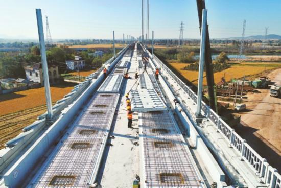 合安高鐵(廬江段) 鋪設軌道板