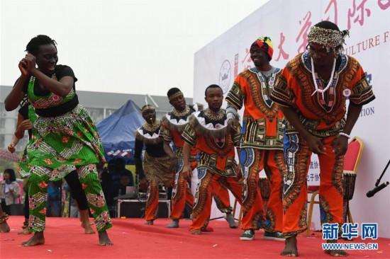 安徽:校園裡的國際文化節