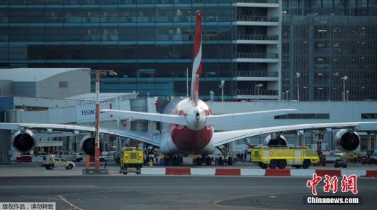 ��地�r�g8月4日,澳大利��悉尼,澳洲航空A380客�C。�w往�_拉斯的航班QF7因�C械故障被迫折返�o急迫降。