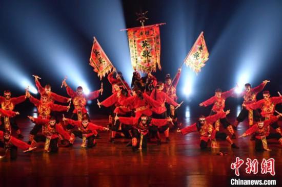 全国15个街舞团队广州展演融入英歌、围棋元素