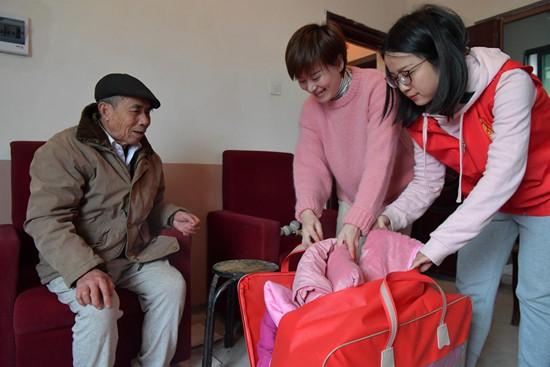 """南昌:志愿""""点单""""服务社区"""