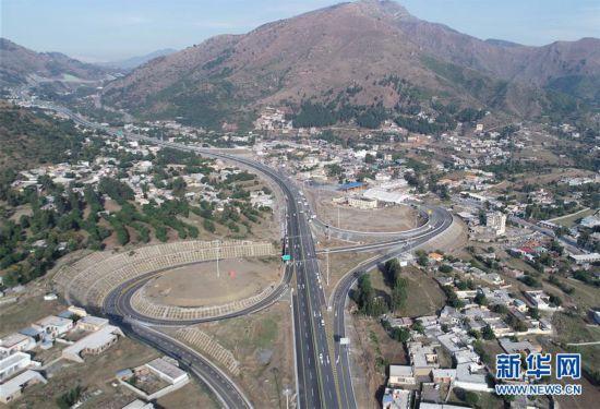(国际)(2)喀喇昆仑公路二期项目高速段通车