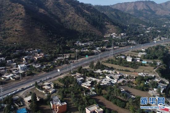 (国际)(4)喀喇昆仑公路二期项目高速段通车