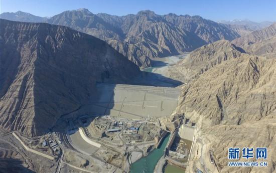 """(社會)(2)""""新疆三峽""""阿爾塔什水利樞紐工程下閘蓄水"""