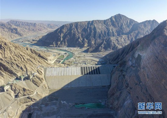 """(社會)(1)""""新疆三峽""""阿爾塔什水利樞紐工程下閘蓄水"""