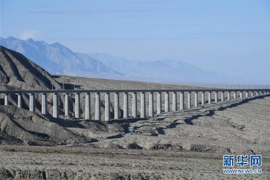 (环境)(2)长桥飞架构筑绿色出疆南通道