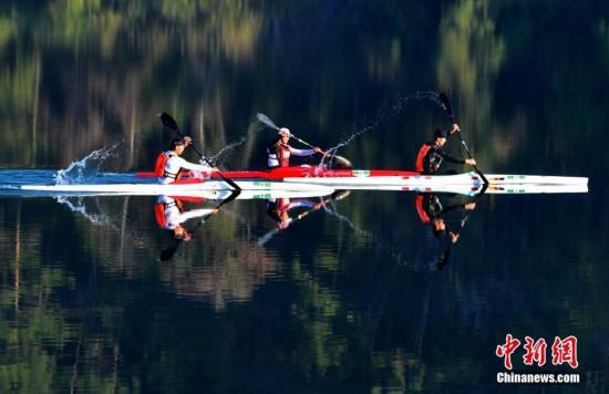 2019中国・将乐国际皮划艇桨板马拉松公开赛 运动员穿行在旖旎山水中