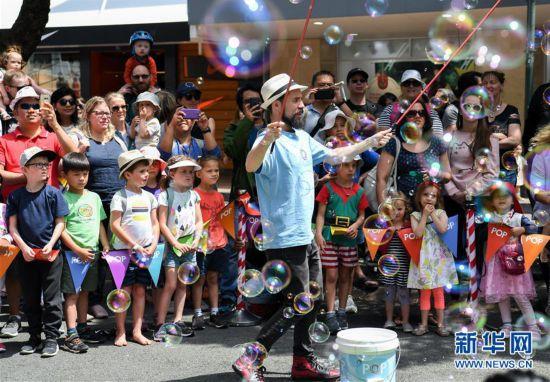(国际)(3)�������Ľ��տ������ٷ���ַ22270.COM_新西兰:惠灵顿举行迎圣诞游行