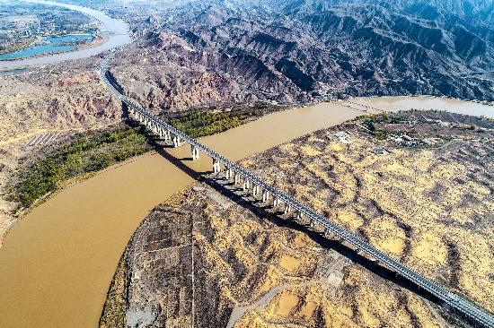 沙坡头黄河大桥1.jpg