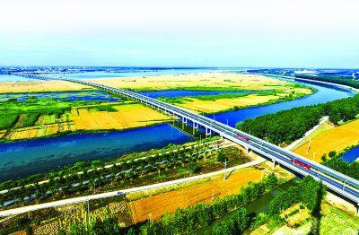 江蘇金湖:大橋飛架碧水 聯接幸福